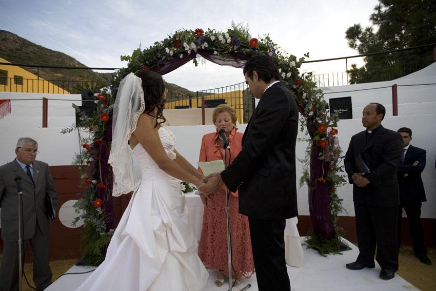 Matrimonio Catolico Y Protestante : Boda protestante en ¡una plaza de toros emotiva eventos